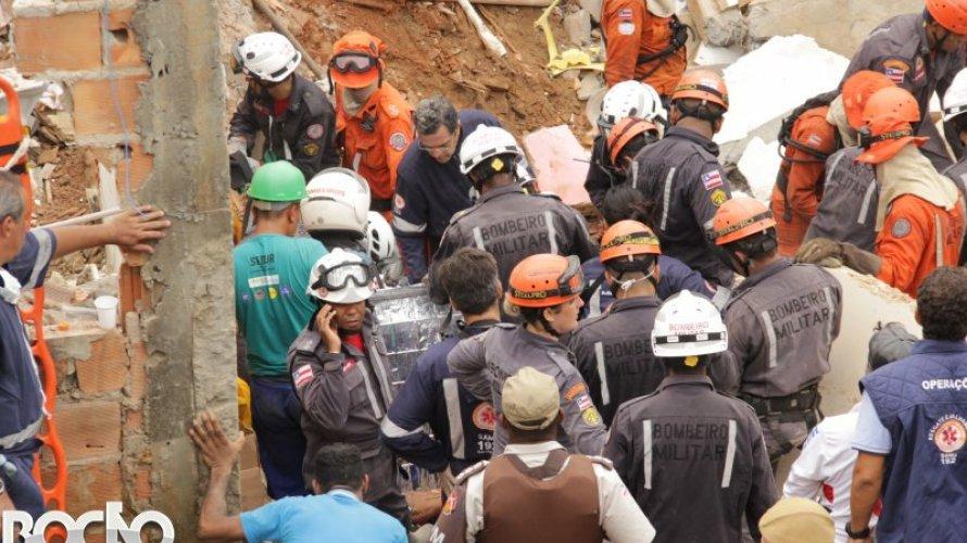 Confirmadas quatro mortes no desabamento em Salvador