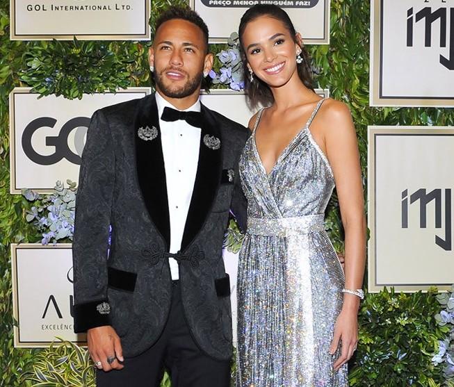 Neymar arrecada R$ 3,5 mi em Leilão beneficente da sua Ong