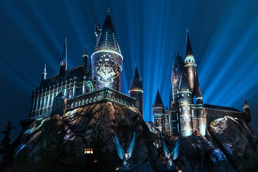 Disney oferece novas atrações aos turistas e novo enredo no desfile noturno