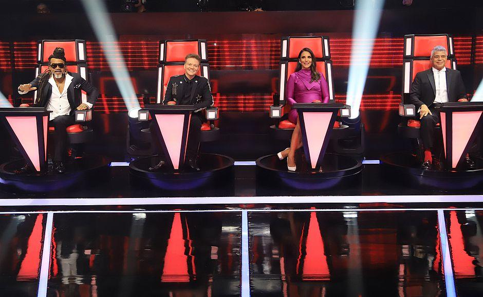 """Claro leva cadeira original do """"The Voice"""" para suas lojas"""