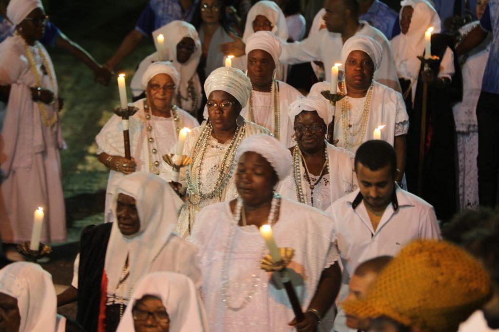 Nossa Senhora da Boa Morte reuniu centenas de fiéis em Cachoeira, Bahia
