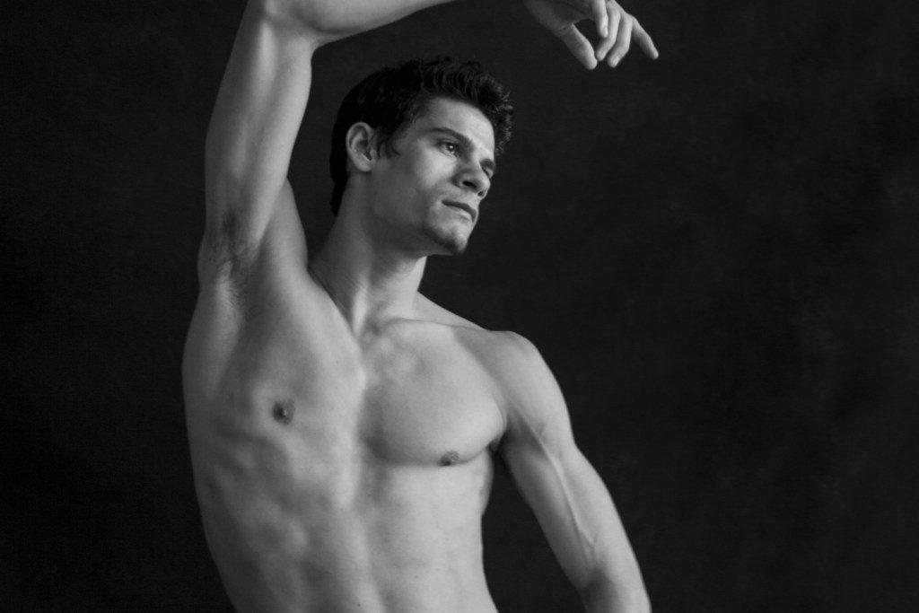 Bailarino Thiago Soares realiza turné inédita no Brasil