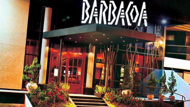 Restaurante Barbacoa Salvador tem buffet de feijoada e salada quartas e sábados