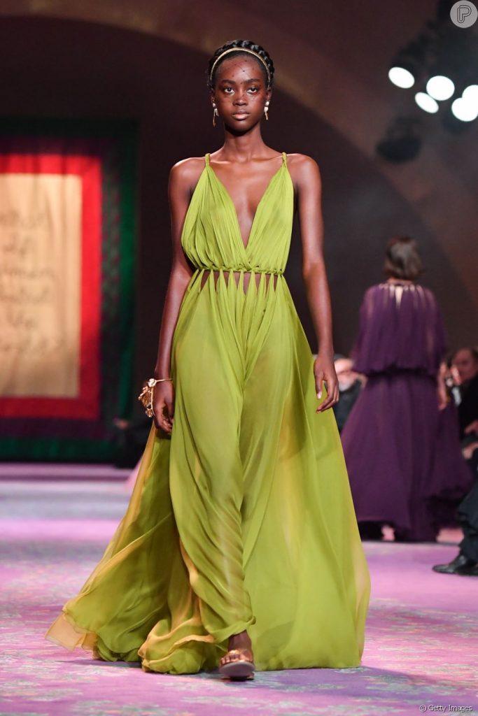Transparência, fluidez e plissados é a aposta da Dior para a PrimaveraVerão 2020