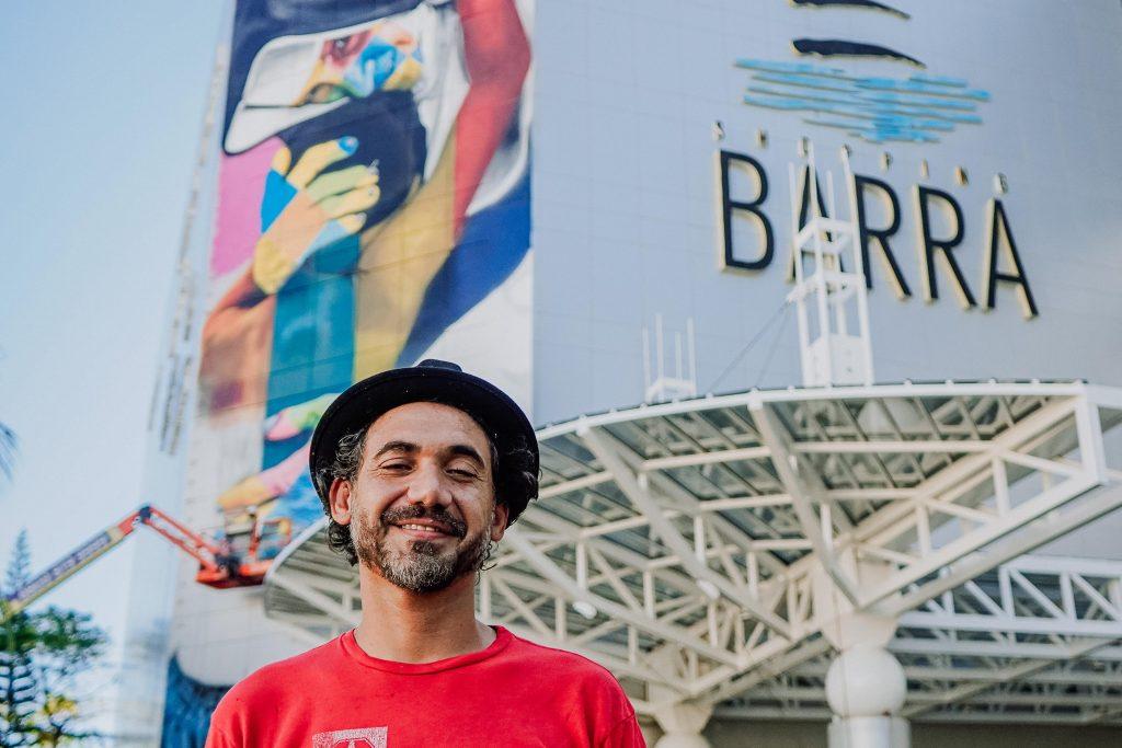 Eduardo Kobra entrega painel em homenagem a Santa Dulce dos Pobres em Salvador