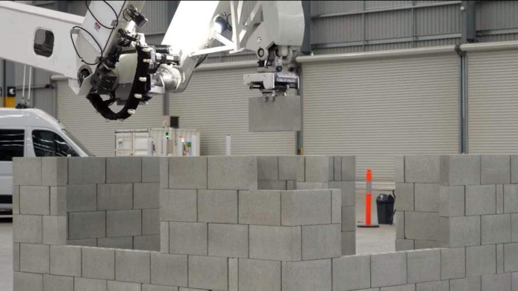 Novidade na construção civil: robô pedreiro