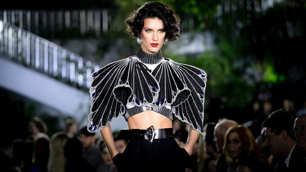 Louis Vuitton mostra nova coleção sem máscaras em Xangai