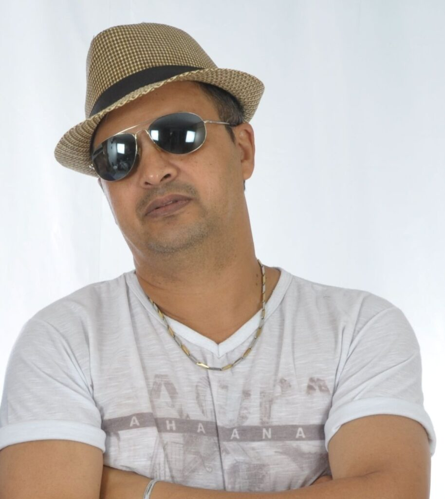 Pombalense Luciano Byey faz sucesso em CD que homenageia nomes da cidade