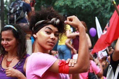Partidos descumprem regras eleitorais sobre repasse de recursos a negros e mulheres