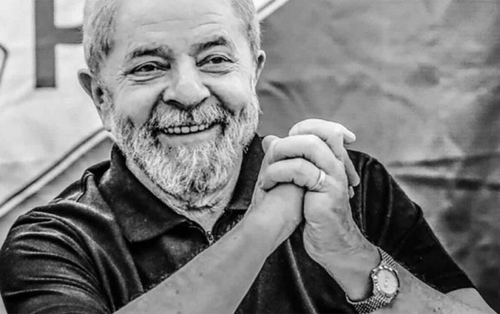 Lula é elegível e Bolsonaro reage com desdém, afirmando que o povo não votará no petista
