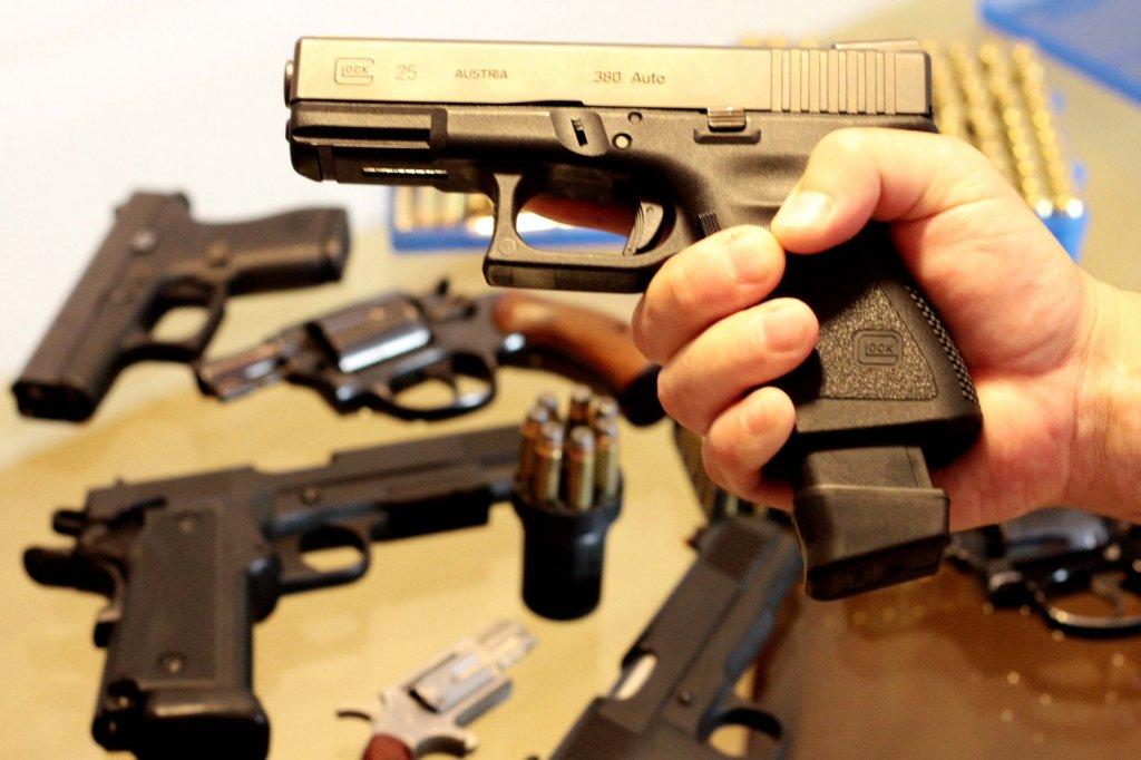 Acesso a arma de fogo por cidadãos brasileiros entra em vigor