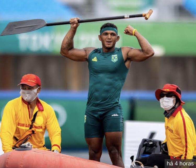 O gigante brasileiro das Olimpíadas Isaquias Queiroz é Ouro em Tóquio