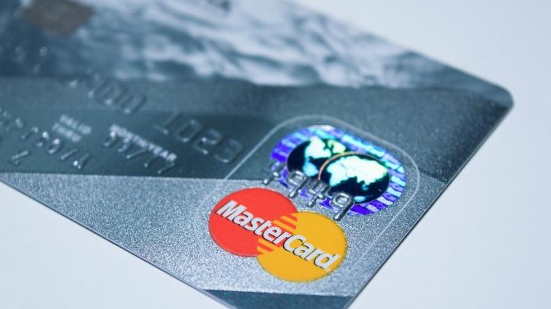 Mastercard vai retirar tarjas magnéticas dos seus cartões