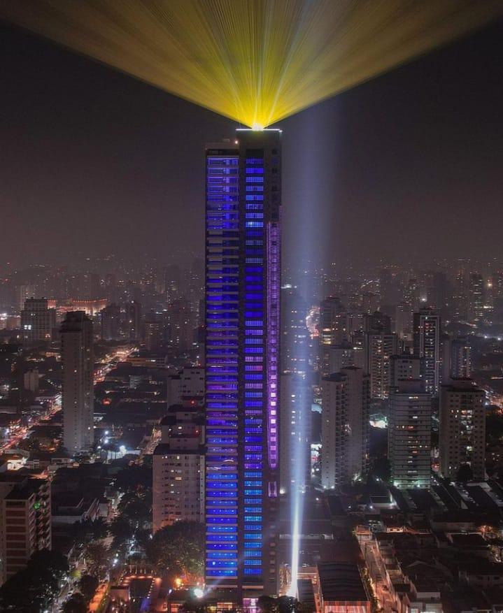 São Paulo constrói o maior prédio de sua cidade